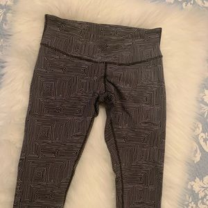 Lululwmon crop leggings
